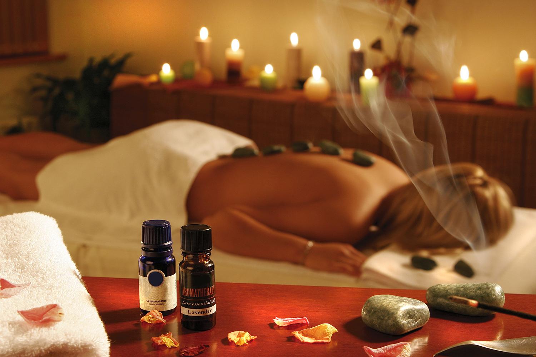 Hot Stone massage - μασάζ