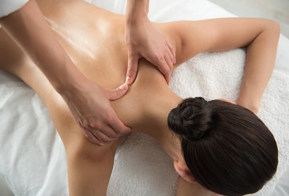 Back and neck massage - θεραπευτικό μασάζ