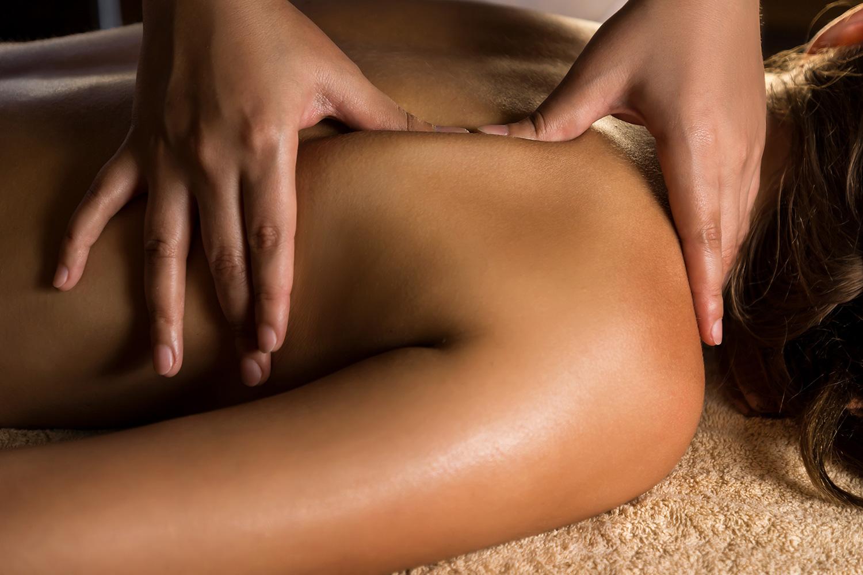 Deep tissue massage - μασάζ